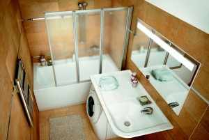 Дизайн ванной комнаты с установленной под раковиной стиральной машинкой