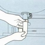 Четвертый шаг - Затягиваем сифон на максимум, чтобы избежать течи