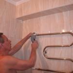 Подключение водяных полотенцесушителей шаг 3 - установка кранов Маевского и проверка системы на герметичность