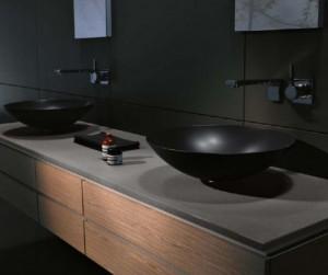 Дизайн умывальника в форме чаши, который установлен на столешницу в ванной комнате