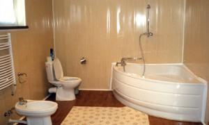 Дизайн ванной, при отделки которой использовались пластиковые панели для ванной комнаты