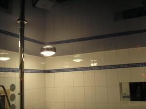 Фото глянцевого натяжного потолка