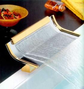 Фото каскадного смесителя для ванны