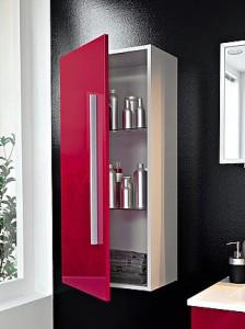 Фото навесного шкафчика из ламинированного ДСП, который установлен в ванной комнате