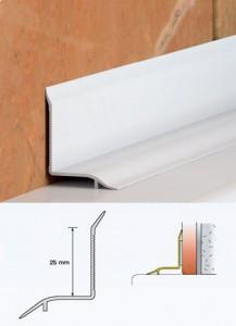 Фото пластикового плинтуса, который монтируют на стык между стеной и ванной
