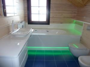 Фото подсветки под ванной