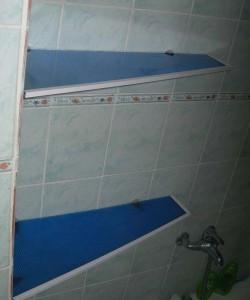 Угловая полка в ванную