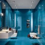 Фото голубой плитки в ванной