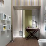 Нейтральные тона плитки в ванной