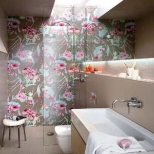 Фотография дизайна ванной с использованием пластиковой плитки