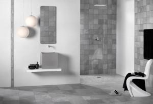 Дизайн ванной комнаты с использованием плитки под камень