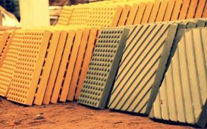 Фото тактильных плит готовых к укладке