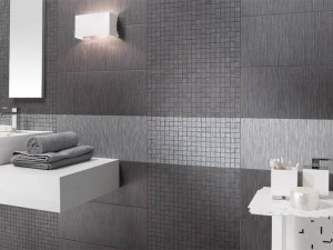 Элегантная серая плитка в ванной
