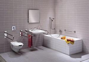 Оборудованная ванная комната для инвалидов