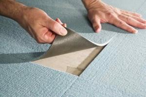 Фото процедуры укладки ковровой плитки своими руками