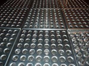 Плитка металлическая