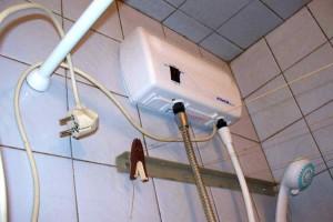 Электрический водонагреватель на душ
