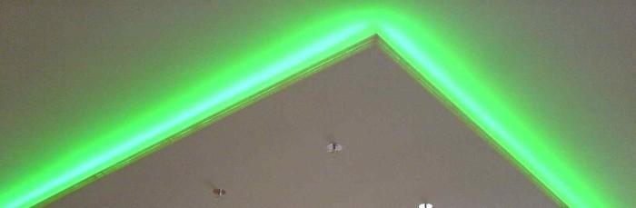 Гипсокартоновый потолок с подсветкой